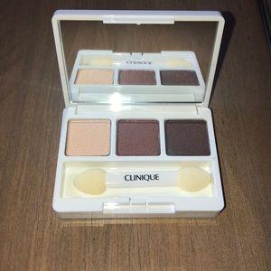 Clinique eyeshadow palette